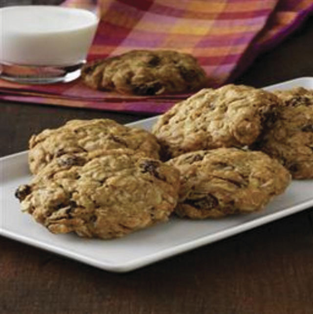 Vanishing Oatmeal Raisin Cookies (PRNewsFoto/Family Features Editorial Syndi)